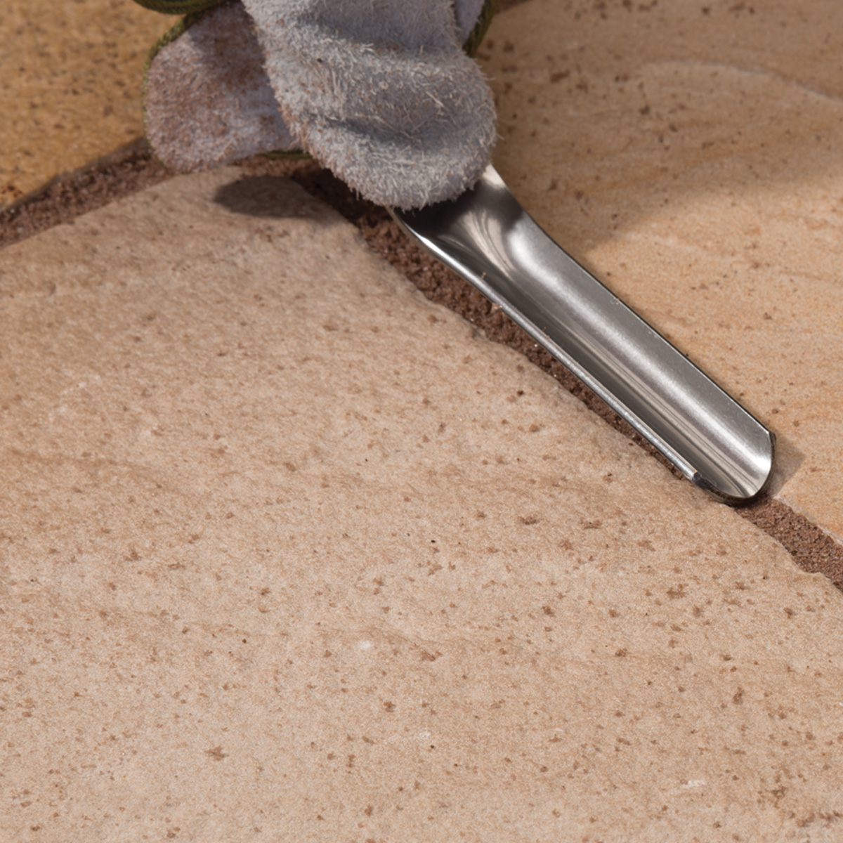 Compact surface for clean flat finish